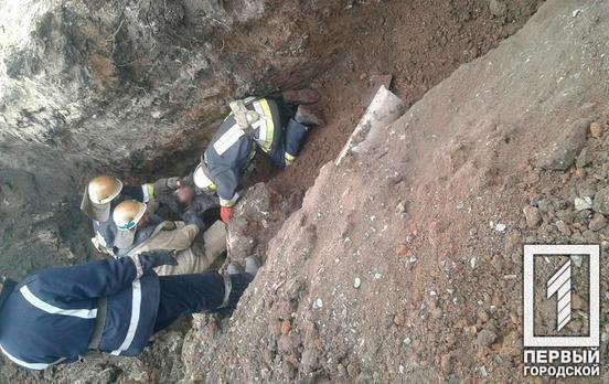 В селе под Кривым Рогом во время земельных работ засыпало двоих мужчин, один из них погиб