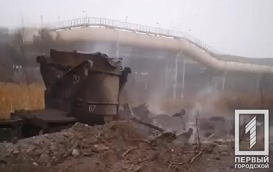 На предприятии в Кривом Роге опрокинулся ковш с чугуном, шум от которого горожане приняли за взрыв