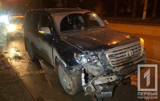 В Кривом Роге пострадала несовершеннолетняя девушка от столкновения двух Toyota