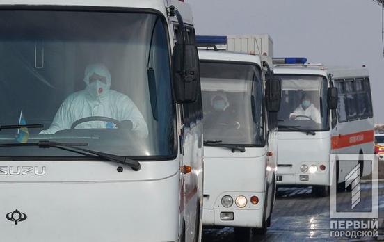 Директор эвакуированного из Уханя танцевального коллектива рассказал, что все 17 артистов из Кривого Рога здоровы