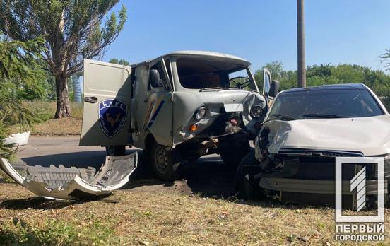 Семь пострадавших: в Кривом Роге легковушка протаранила три автомобиля